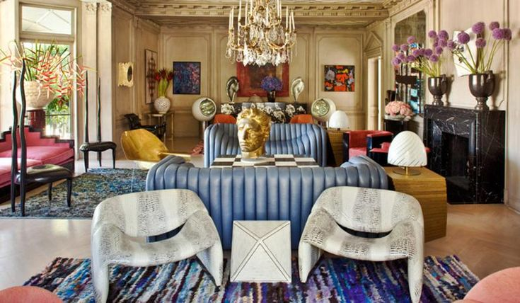 Who says you can only have one statement piece??? Kelly Wearstler has so many unique and interesting fey pieces in this interior and they all work perfectly together!