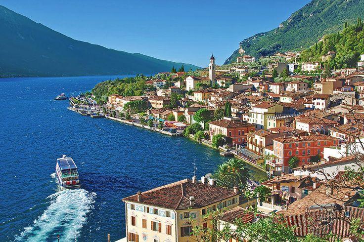 4 Tage im 4*Hotel Garda Bellevue #Travador #Italien #Gardasee #Dolcevita #See #Entspannung #Sonne #Sommerferien #Urlaub #See #loveit #loveitaly #erleben #relax #cool #beauty #bluesky #travel