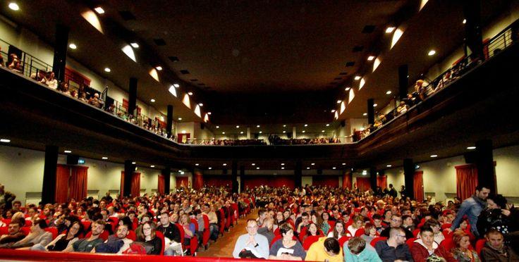 Il Cine-Teatro Rossini dei #TeatriDICivitanova ha la capienza di 870 posti e si trova nel pieno centro di #CivitanovaMarche. http://www.tdic.it/