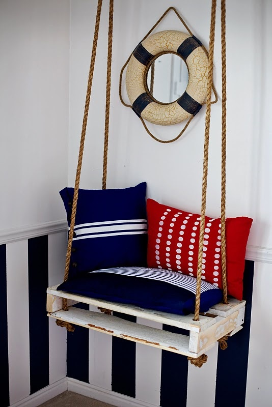 Pallet chair, swing seat.   --probably need to stick this in my pallet crap...oh well....