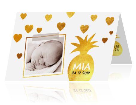 Hoe lief is dit geboortekaartje voor een meisje?! Goud is de trend van nu, dus met dit kaartje zit je zeker gebakken. Die ananas is een hele leuke toevoeging op dit feestelijke kaartje! #geboortekaartje #goud #hartjes #zwangerschap #20weken