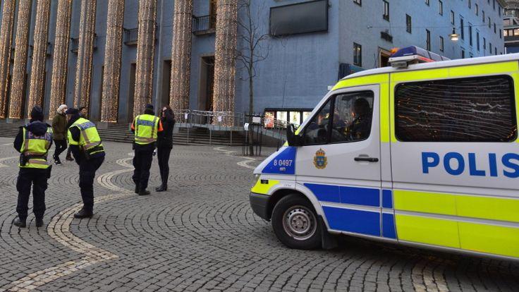 """L'homme a été placé en garde à vue samedi pour """"acte terroriste""""."""