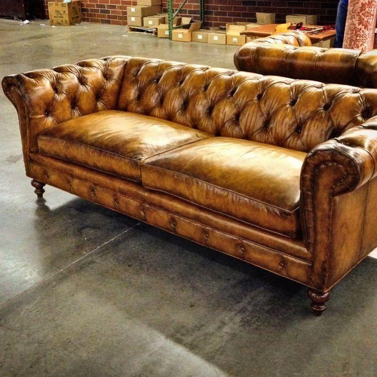 Meubles Chesterfield En 2020 Meubles En Cuir Canape Cuir Vintage Mobilier De Salon