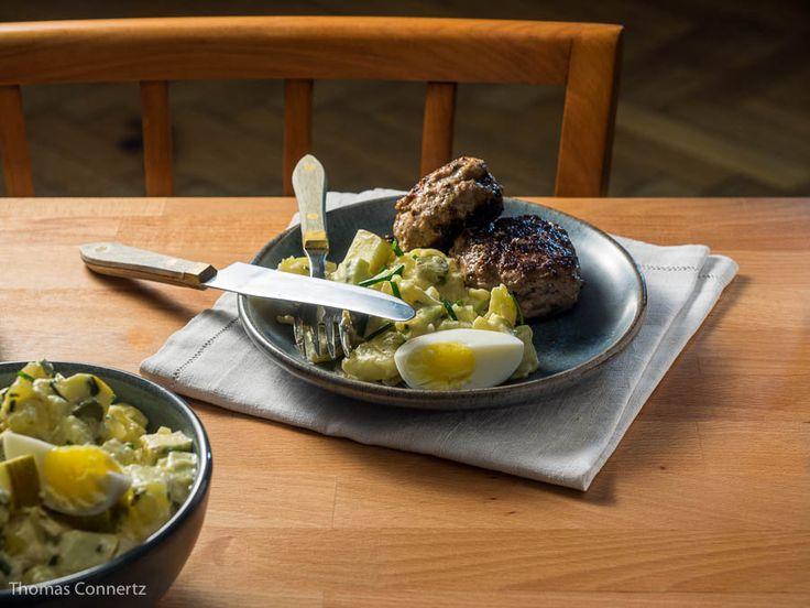 Rheinischer Kartoffelsalat mit Frikadellen