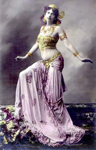 Mata Hari is known as one the most beautiful spies in history. She was Dutch and her real name was Greta Zelle. She was a dancer and had this picture made of herself.