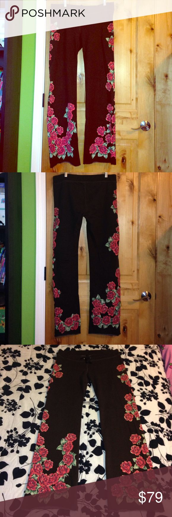 """LUCKY BRAND Dark Brown Roses SWEATPANTS NWOT M LUCKY BRAND Dark Brown Roses SWEATPANTS NWOT M •DETAILS: *Low Rise, Adjustable Tie-Front Waist, Raw Hems at Legs.  *Dark Brown w/ Beautiful Red Roses Design.  •MEASUREMENTS: Waist is 34"""" - 36""""; Inseam- 33""""; Total Length- 42"""" •MATERIAL: Cotton 89%, Polyester 11% •CARE: Machine Wash Cold **SMOKE-FREE & PET-FREE HOME!** Lucky Brand Pants Track Pants & Joggers"""