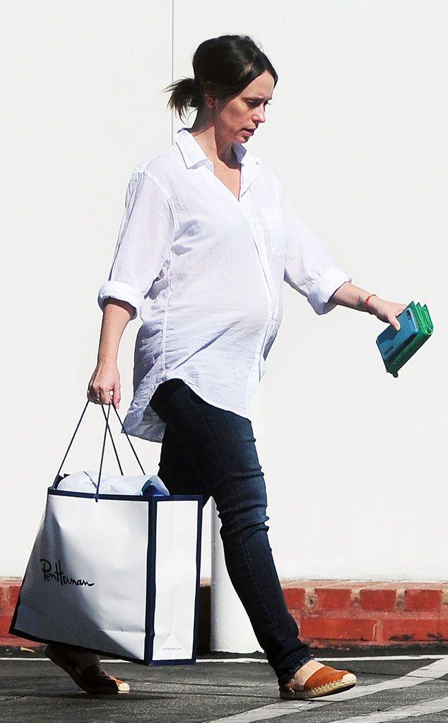 Jennifer Love Hewitt Resurfaces With a Big Baby Bump: See the Pregnancy Pic!  Jennifer Love Hewitt