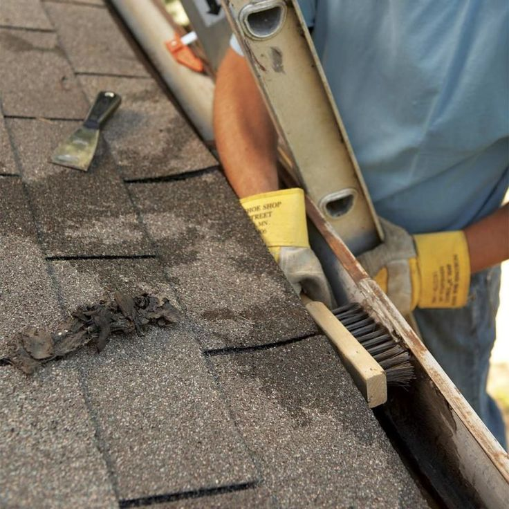 15 Silent Signs That Your Roof is Failing Home