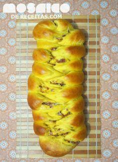 Mosaico de Receitas: Pão de Abóbora com Calabresa e Requeijão