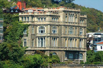 ISIK TANSAL: İSTANBUL BOĞAZI YALILAR SARAYLAR Zeki PaşaYalısı XIX. yüzyıl Mimarı : Alexandre Vallaury