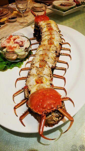 ムカデじゃなくてハサミムシ?      蟹は好きだけどこの盛り付けは嫌だw http://yfrog.com/oekj2usj
