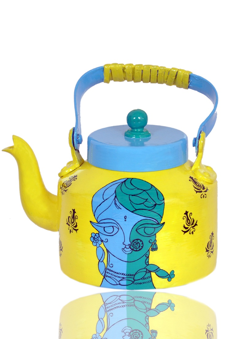 This is an aluminium masala Tea kettle crafted with beautiful design and layered with abrasion resistant protective coating so that it can be put in use. The same is ideally for home decor but fearlessly be used for restricted use. Time to lure your next guest with Blue lady.