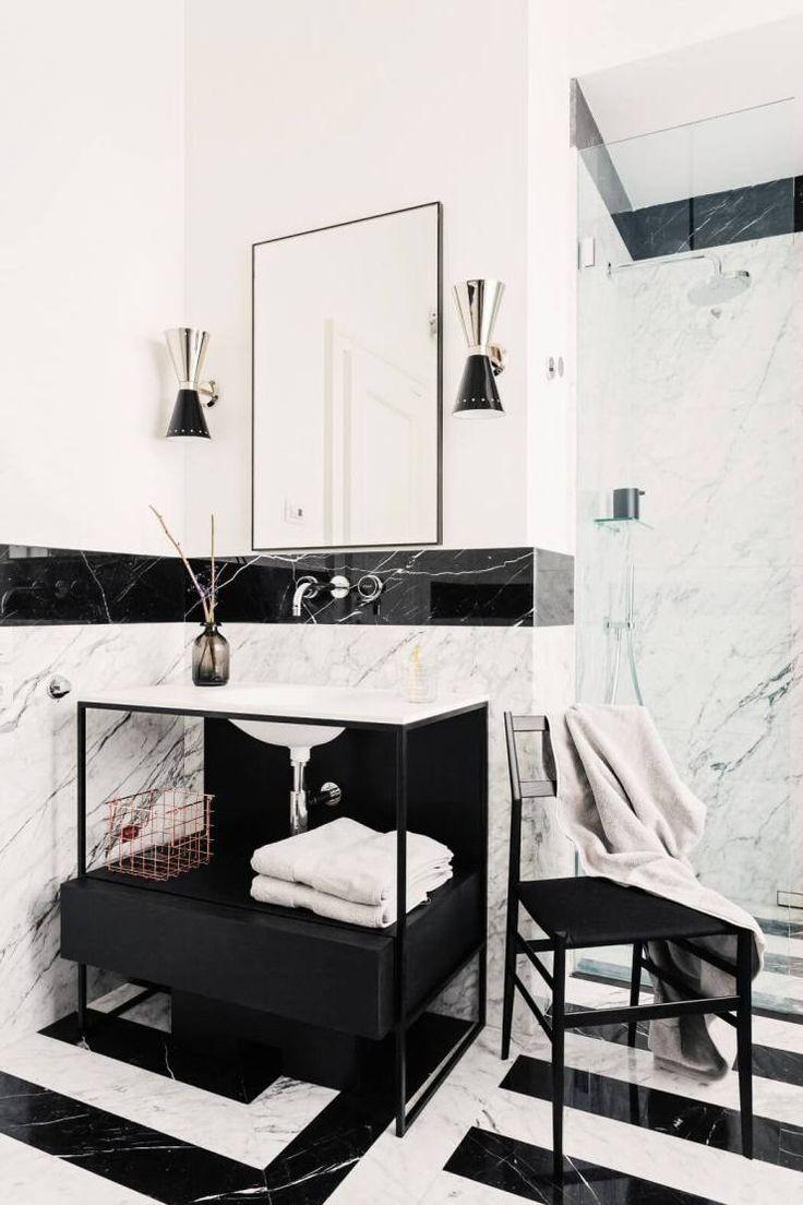 Apartamento em Milão - Nomade Architettura - Decoração Contemporânea - Contemporary Style - Estilo Contemporâneo - Banheiro de Mármore - Decoração de Banheiros - Banheiros Decorados - Box de Vidro - Duas Duchas - Bathroom - Casa de Banho - Banheiro Listrado - Banheiro Preto e Branco  - #BlogDecostore