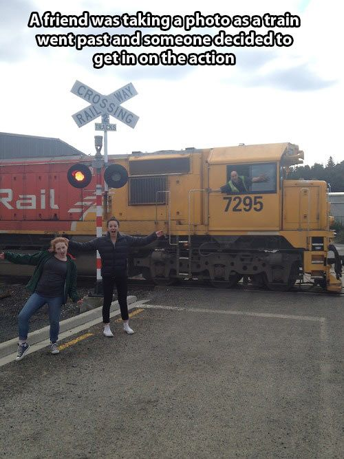 funny-train-photo-smiling-driver