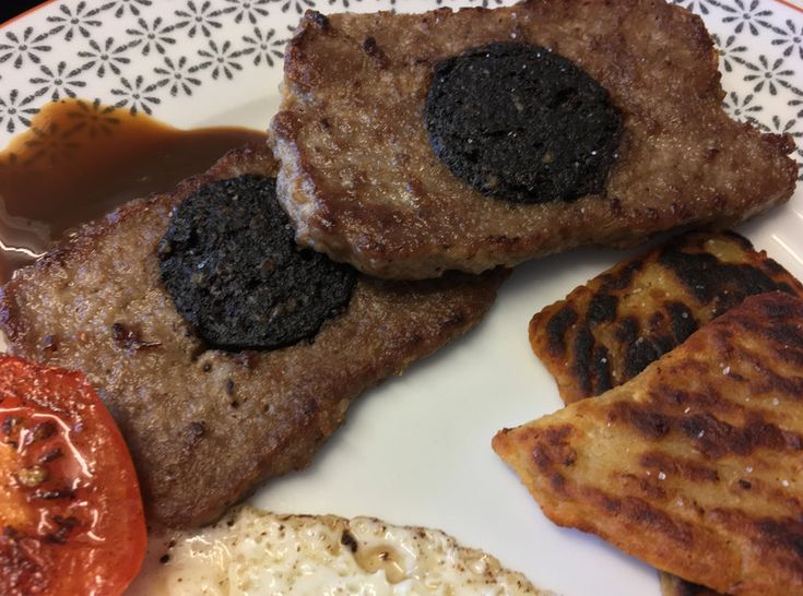 Make your own Scottish square sausage (slice) and serve it up in a crispy morning roll or as part of a full Scottish breakfast!