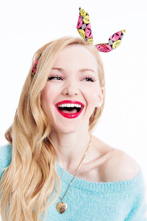 Que chica tan alegre y que sonrisa casi me ciega jjjjja