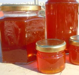 Recipes and information on making jams, jellies and other sweet preserves