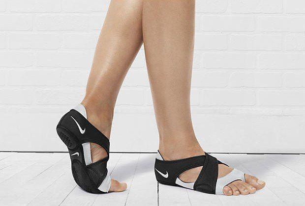 Toeless Shoes Nike