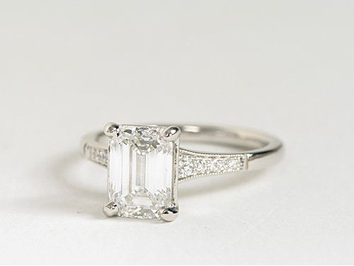 Graduated Milgrain Diamond Engagement Ring in Platinum | #Engagement #Wedding #Jewelry