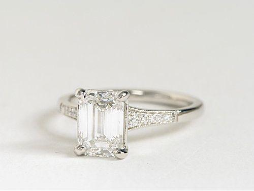 Graduated Milgrain Diamond Engagement Ring in Platinum | #Engagement #Wedding #Jewelry