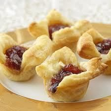 Honey Cranberry Brie Bites - book club hosting