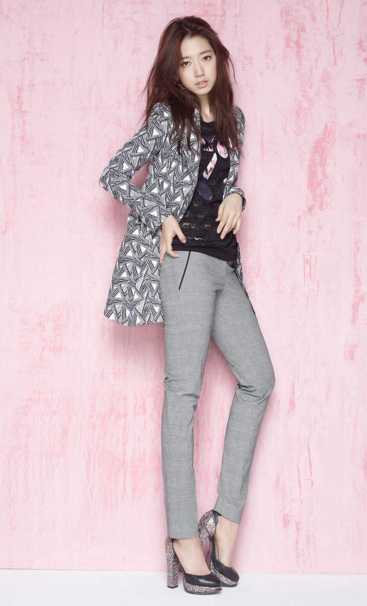 Park Shin Hye - VIKI S/S 2015... love the pants