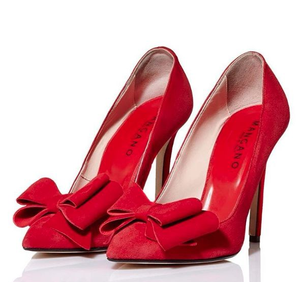 """Toe suede pump """"Oxford"""", with detail of detachable bow!  Available also in black color, on our shop online: www.mangano.com"""