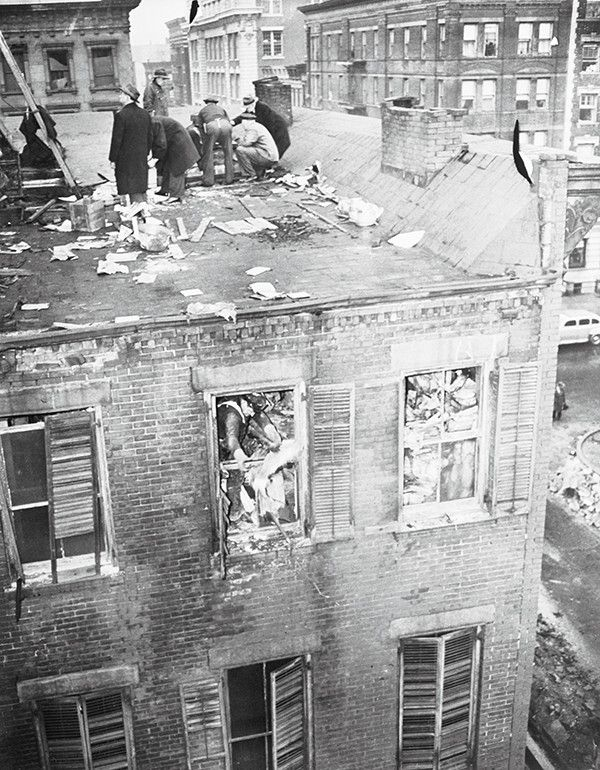 First time public was aware of Hoarders. 1947: The Collyer brothers were wealthy and eccentric. Here their brownstone building is searched by NYC police after their bodies were found amid 130 tons of trash they had hoarded. It appeared that Langley had been crawling through their newspaper tunnel to bring food to his paralyzed brother & one of his own booby traps fell down & crushed him. Homer, blind, paralyzed & dependent on his brother, starved to death.