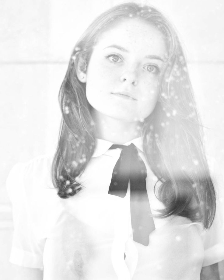 Snow White (and the burgeoning age of innocence [lost]) Model: @rozzieburton  #portraitmood #D7500 #Nikkon #Nikkor