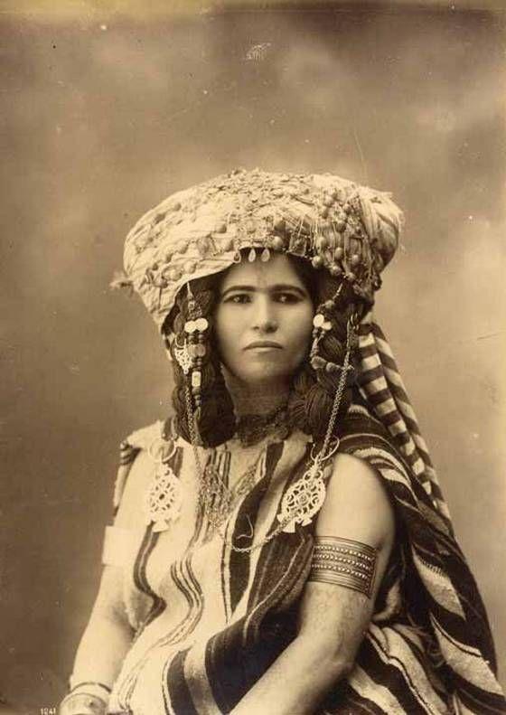 North African colonial photograph: Photos, Woman Portrait, North African, People, African Women, Women Portraits, Vintage Portrait