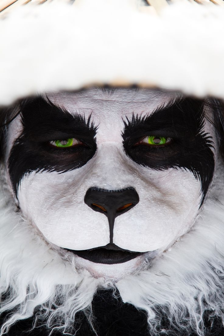 WoW panda Wonderful cosplay of Chen Stormstout close-up  professional make up beautiful make up