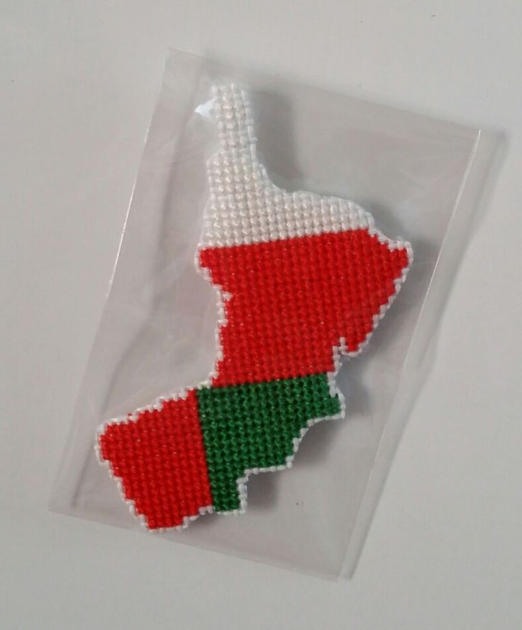 [ Oman  flag map ]   *handmade item.   *Instant digital download: 1 PDF included.   *colors: 2 DMC colors.   *stitch count: 38w X 49h   *price: $3  ( Payment path = www.paypal.me/crossstitch )