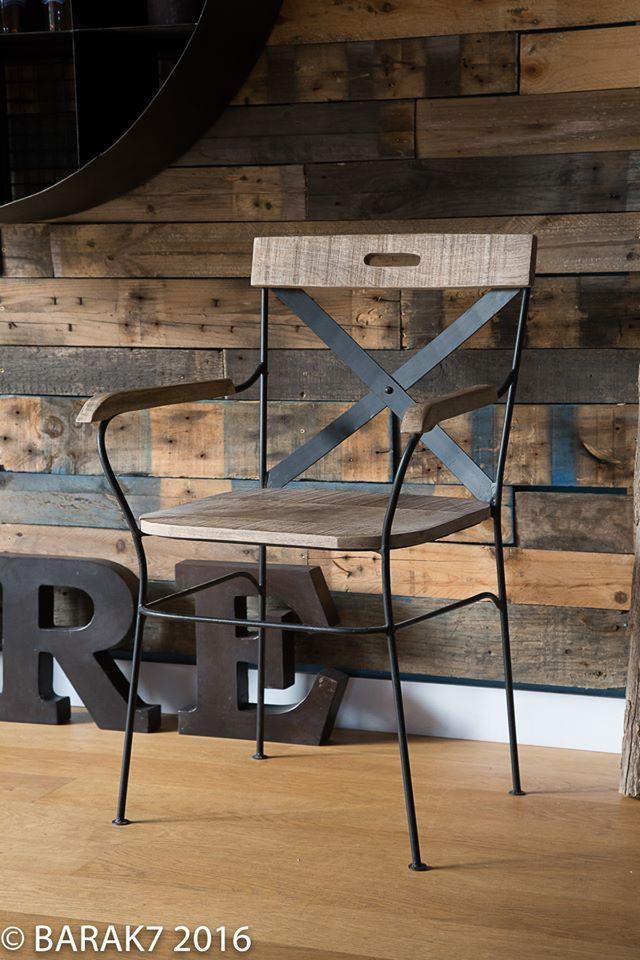 25 beste idee n over industri le stoel op pinterest gebogen houten stoelen stoel ontwerp en - Zetel leer metaal ...