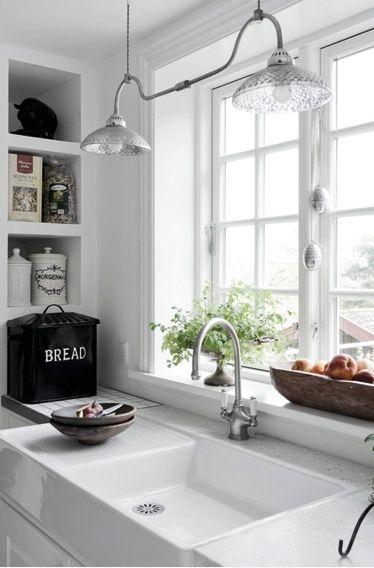 .: Kitchens Window, Lights Fixtures, Breads Boxes, Kitchens Ideas, The Farm, Farms Sinks, Farmhouse Sinks, White Kitchens, Kitchens Sinks