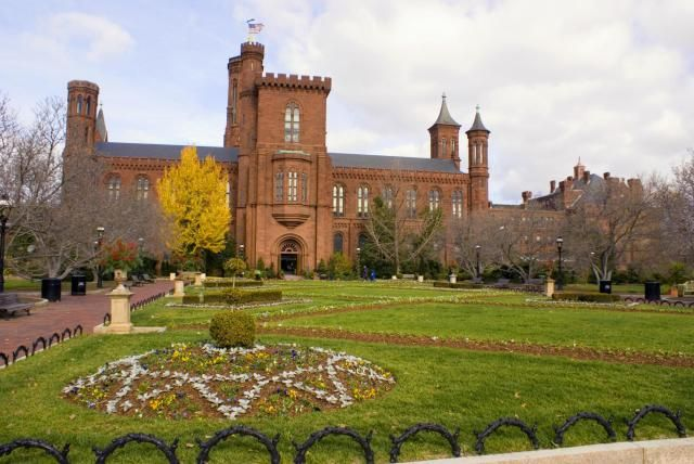 Top 10 Things to Do in the Washington, DC Capital Region: Visit the Smithsonian Museums