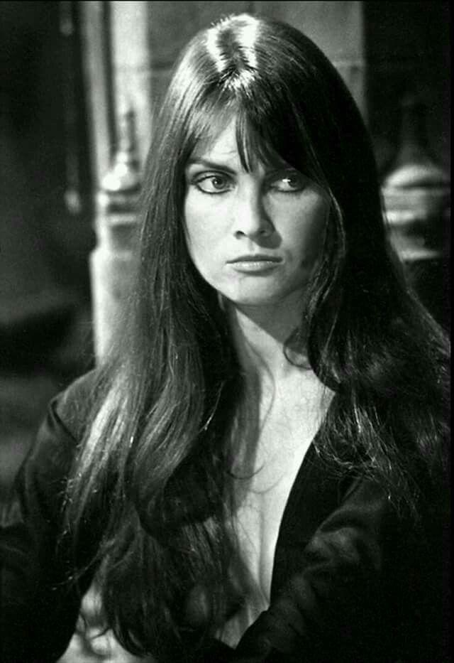 Dracula A.D. 1972 (1972) Caroline Munro