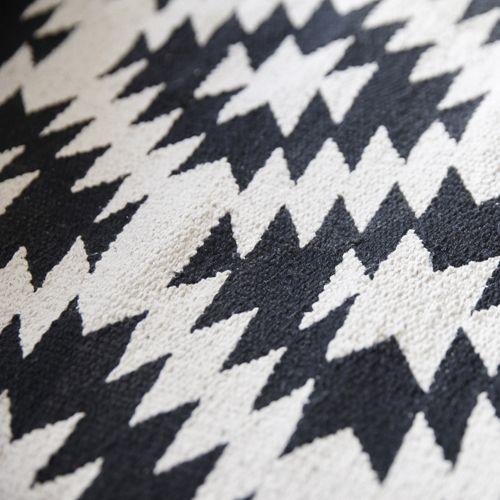 Tapis / Descente de lit en coton 60 x 120 cm Graphique Hübsch