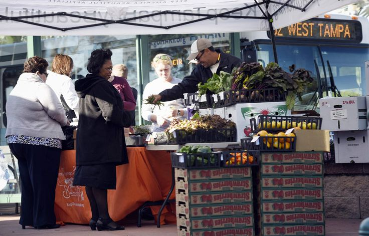 Fresh Food On-the-Go: Introducing Bus-Stop Farmers Markets - http://modernfarmer.com/2016/02/bus-stop-farmers-markets/?utm_source=PN&utm_medium=Pinterest&utm_campaign=SNAP%2Bfrom%2BModern+Farmer
