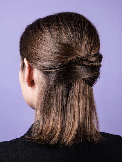Frisur unten eingedreht