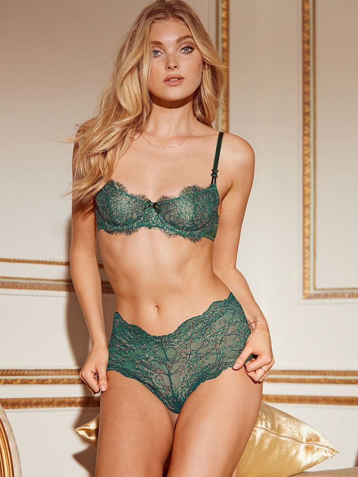 A sexy look that sleighs. | Victoria's Secret