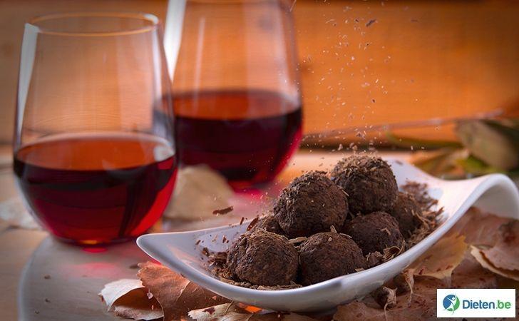 Dit trendy dieet moedigt wijn drinken en chocolade eten aan.