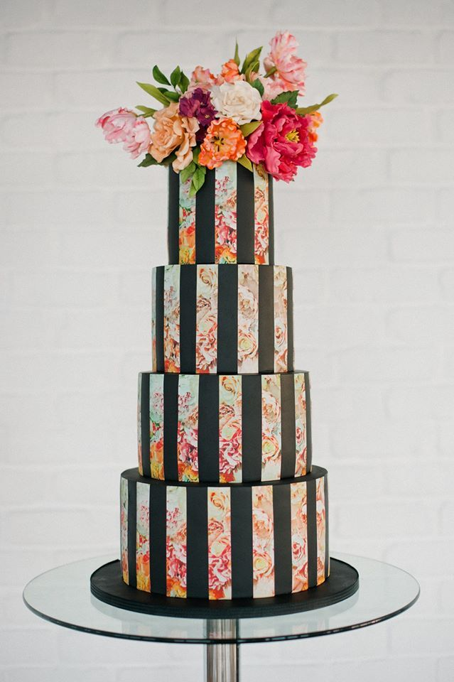 Now this cake by Olofson Design is something special! Photograph by Anushé Low.