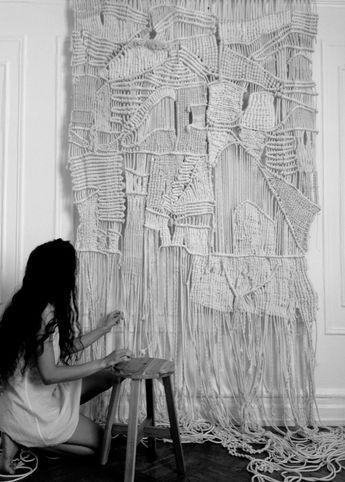 Brooklyn fiber artist / Large-scale macramé & weaving / Natural materials (jute…