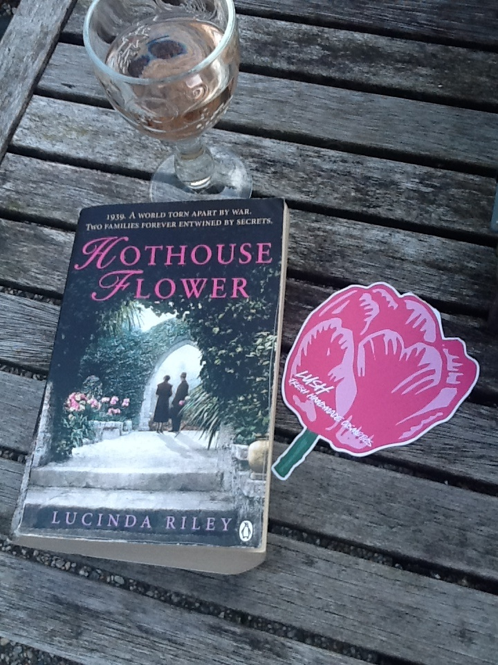 Romantisch, spannend, tikje sentimenteel maar mooi! Engelse landhuizen, familiegeheimen