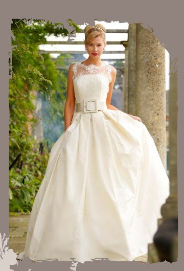 Any US brides wear Ian Stuart? Any thoughts about this designer? UK designers? « Weddingbee Boards