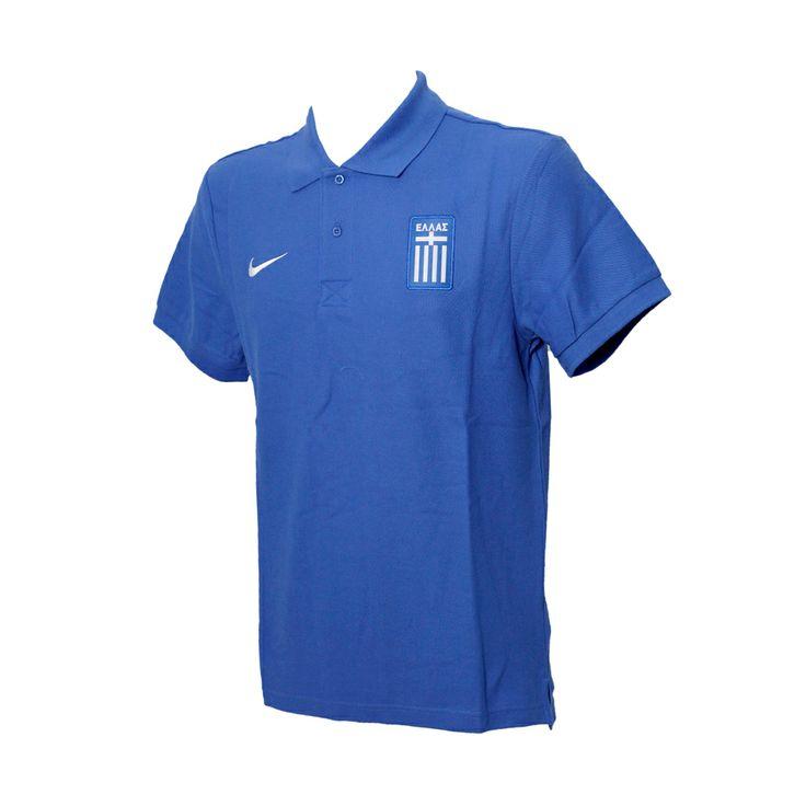 Το επίσημο polo της εθνικής ομάδας, που το χρησιμοποιούν οι παίκτες στις αποστολές τους, σε χρώμα μπλε ανοιχτό, από 100% βαμβάκι, με το εθνόσημο στο αριστερό μέρος.