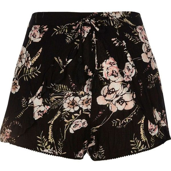 River Island Black floral print shorts ($44) ❤ liked on Polyvore featuring shorts, black, smart shorts, women, woven shorts, floral printed shorts, tall shorts, loose fit shorts and floral shorts