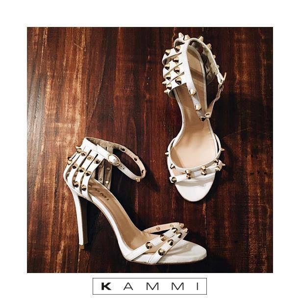 Come iniziare al meglio la settimana? Acquistando un nuovo paio di scarpe, ancora meglio se in saldo! 😍 visita il sito www.kammi.it per scoprire tutti i modelli 💘
