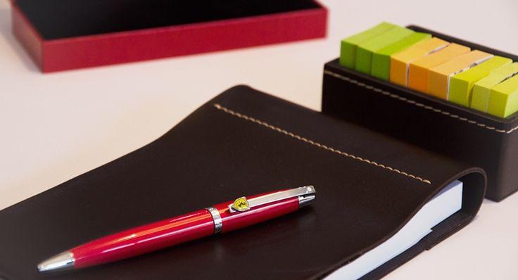O Dia dos Namorados está chegando e a dica é uma caneta especial que a Sheaffer desenvolveu em parceria com a Scuderia Ferrari...