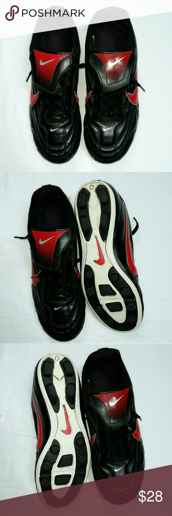 NIKE Cleats Shoes Size 4Y NIKE Cleats Shoes. Sz 4Y. Very good condition. Nike Shoes